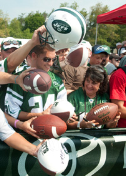 Jets Training Camp Invites Volunteers
