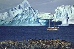 Globe-traveling photographer documents melting ice caps
