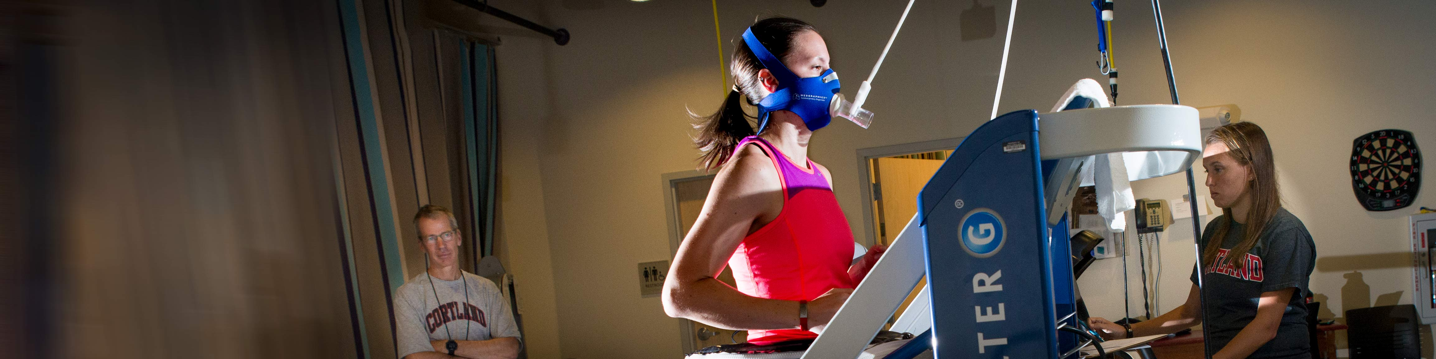 Aspiring physical therapist Allison Schumann conducting research in exercise science lab