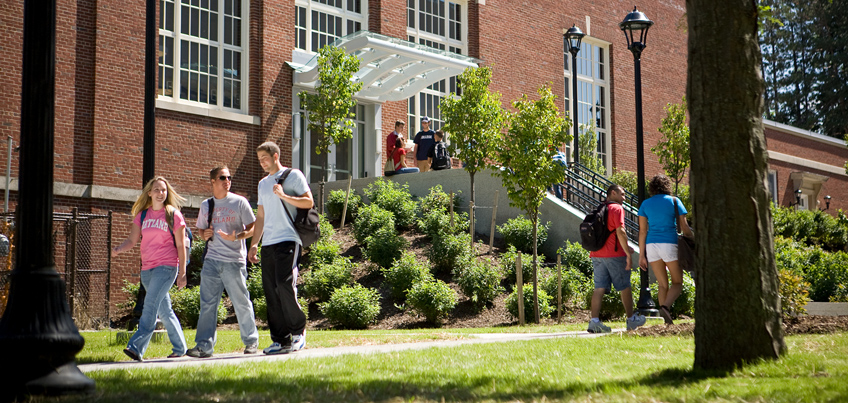 Students walking between Moffett Center and Sperry Center