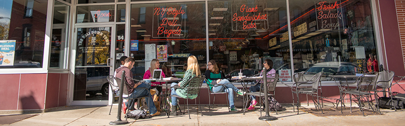 Students eating outside Deli Downtown