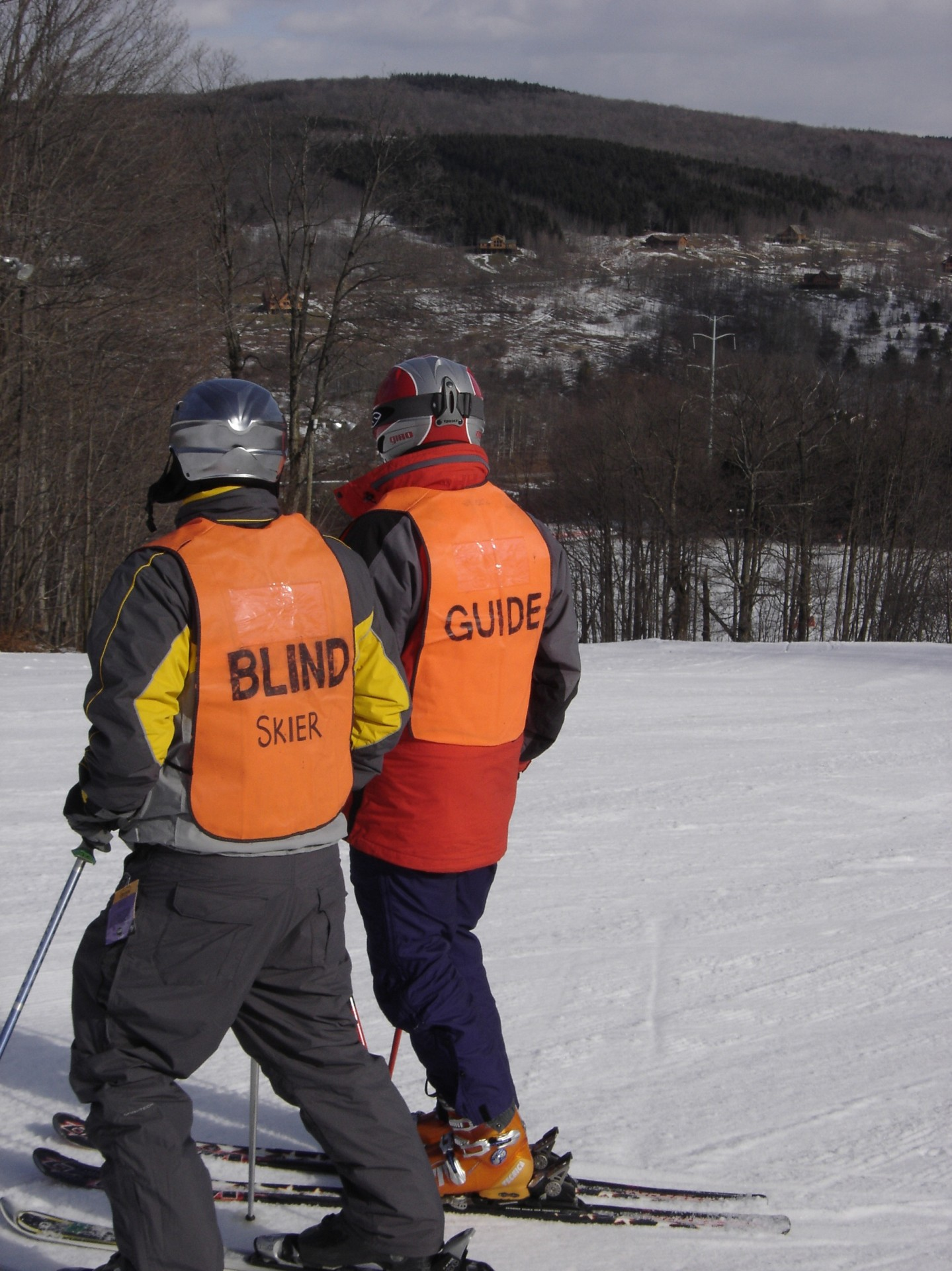 Guiding skier with vision impairment