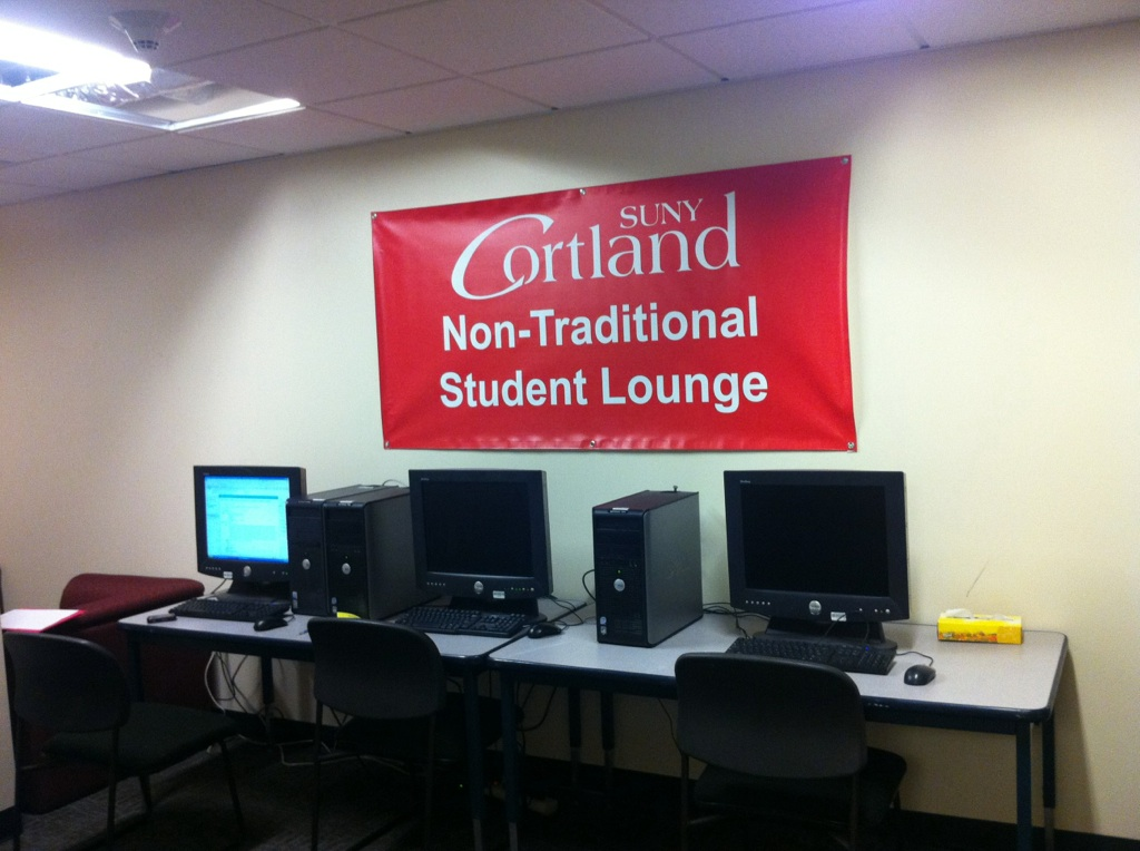 Non-Trad Student Lounge Computers Sign