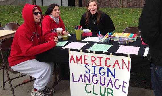 Ameircan Sign Language Club